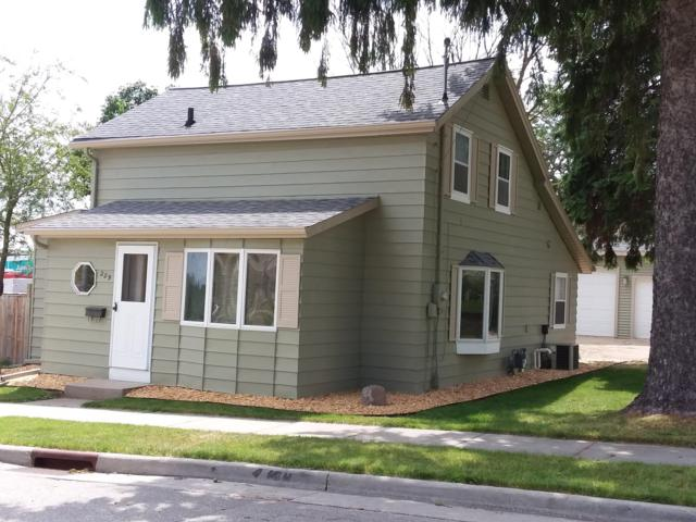 229 Third St, Hartford, WI 53027 (#1643438) :: eXp Realty LLC