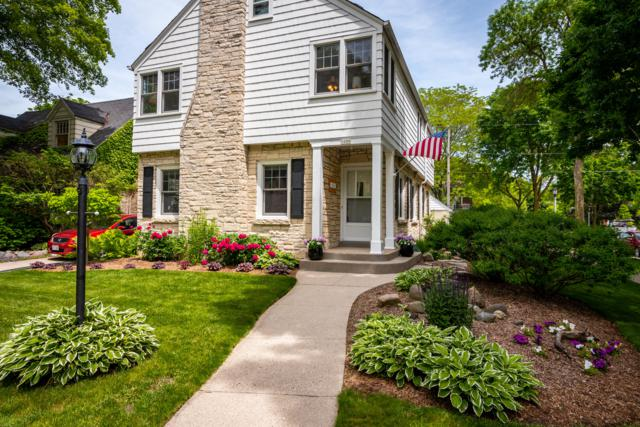 5000 N Idlewild Ave, Whitefish Bay, WI 53217 (#1643602) :: eXp Realty LLC