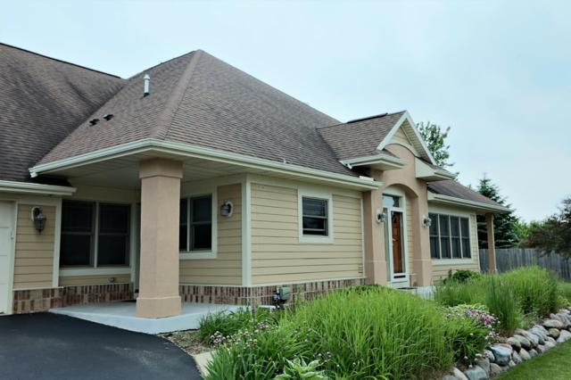 8031 S Patricia Ct, Franklin, WI 53132 (#1644469) :: eXp Realty LLC