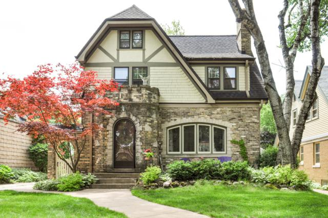 8115 Hillcrest Dr, Wauwatosa, WI 53213 (#1644616) :: eXp Realty LLC