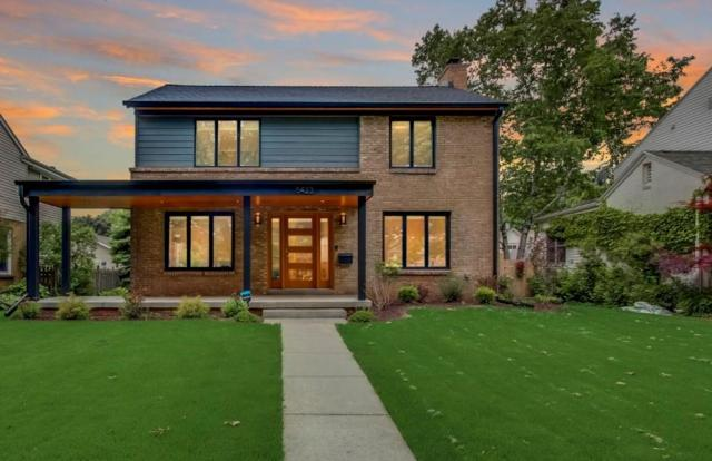 5423 N Santa Monica Blvd, Whitefish Bay, WI 53217 (#1644916) :: eXp Realty LLC