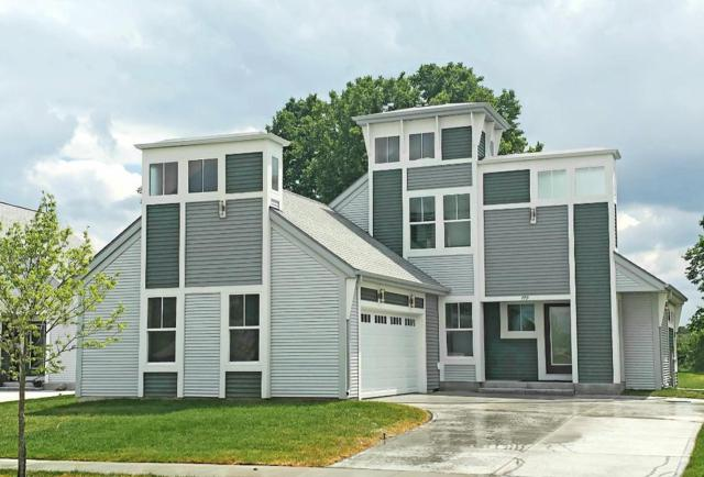 779 Wright Ct, Hartford, WI 53027 (#1645503) :: RE/MAX Service First Service First Pros