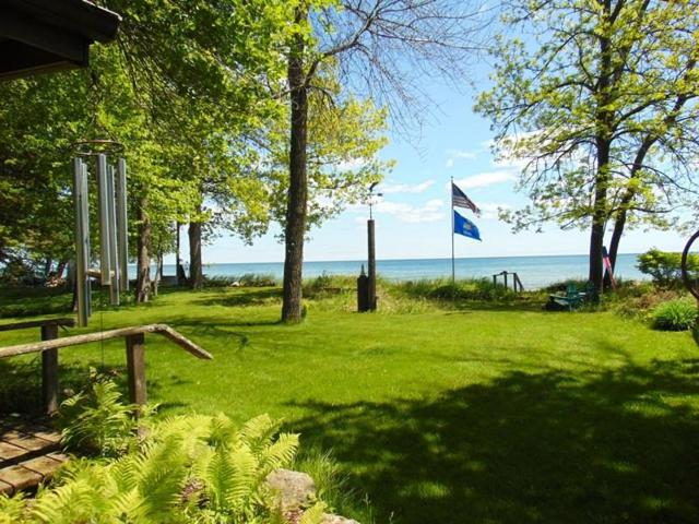 7104 Sauk Trail Beach Rd, Belgium, WI 53013 (#1645739) :: Tom Didier Real Estate Team