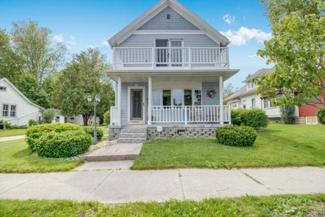 1115 12th Ave, Grafton, WI 53024 (#1645816) :: RE/MAX Service First Service First Pros