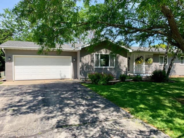 3919 Elaines Way, Hartford, WI 53086 (#1645991) :: Tom Didier Real Estate Team