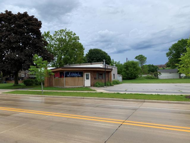 2809 Lincoln Ave, Two Rivers, WI 54241 (#1646535) :: eXp Realty LLC