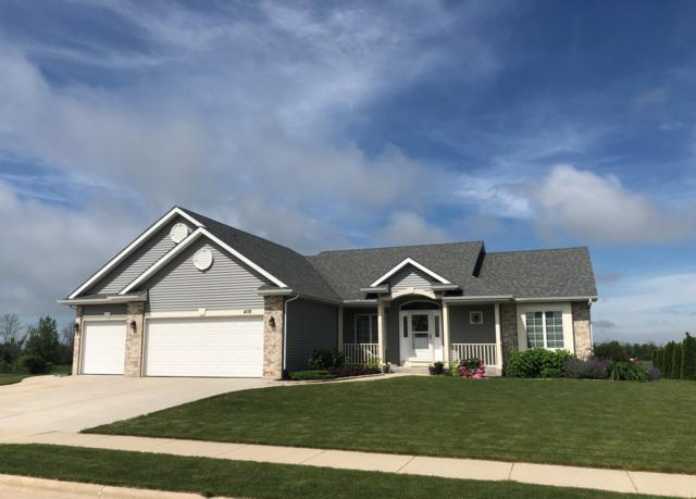 409 Aspen St, Belgium, WI 53004 (#1646568) :: Tom Didier Real Estate Team