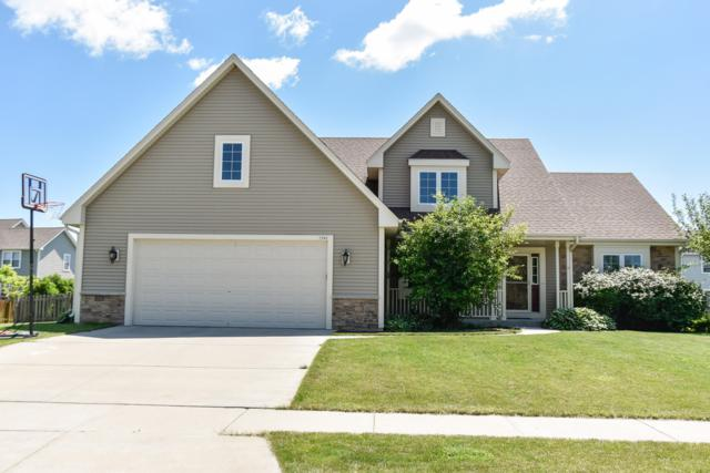 1946 Shasta Ave, Grafton, WI 53024 (#1648169) :: RE/MAX Service First Service First Pros