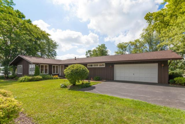 2806 Lakeshore Way, Twin Lakes, WI 53181 (#1648555) :: RE/MAX Service First Service First Pros