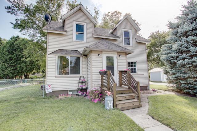 107 Chestnut St, Slinger, WI 53086 (#1648803) :: Tom Didier Real Estate Team
