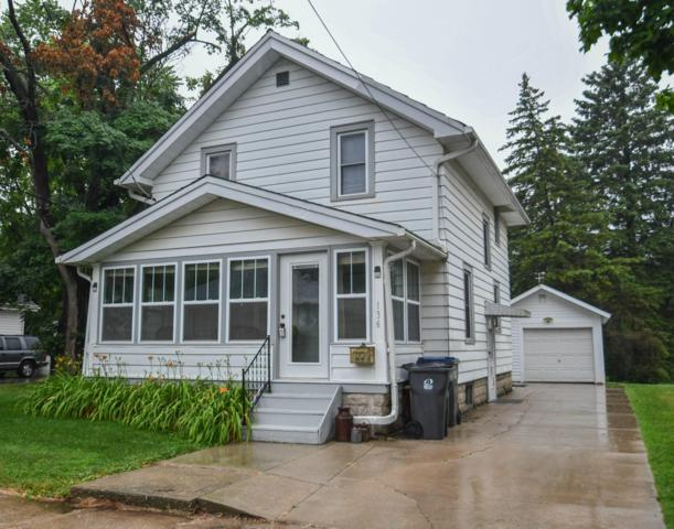 136 Waverly Pl, Waukesha, WI 53186 (#1649100) :: RE/MAX Service First Service First Pros