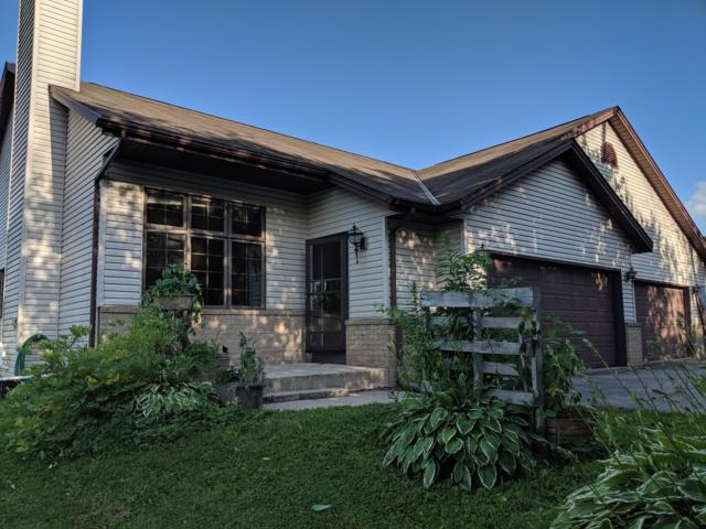 608 Ellys Way #1, Slinger, WI 53086 (#1649219) :: Tom Didier Real Estate Team