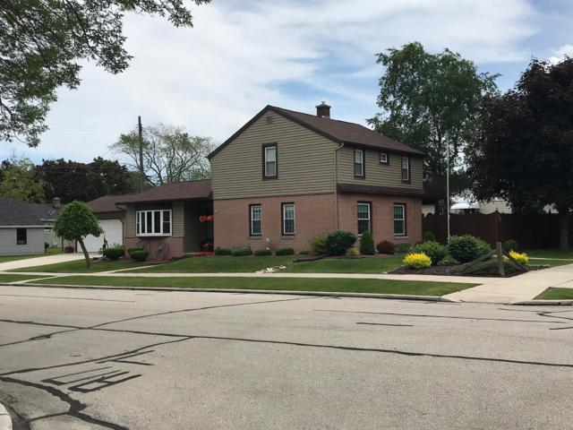 501 S 32nd St, Manitowoc, WI 54220 (#1649352) :: RE/MAX Service First Service First Pros
