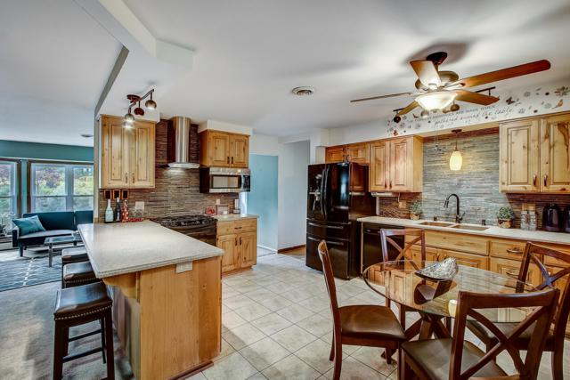 1720 N 166th St, Brookfield, WI 53005 (#1649607) :: RE/MAX Service First Service First Pros