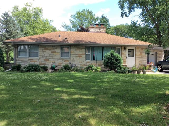 W238N5390 Parkview Dr, Lisbon, WI 53089 (#1649651) :: RE/MAX Service First Service First Pros