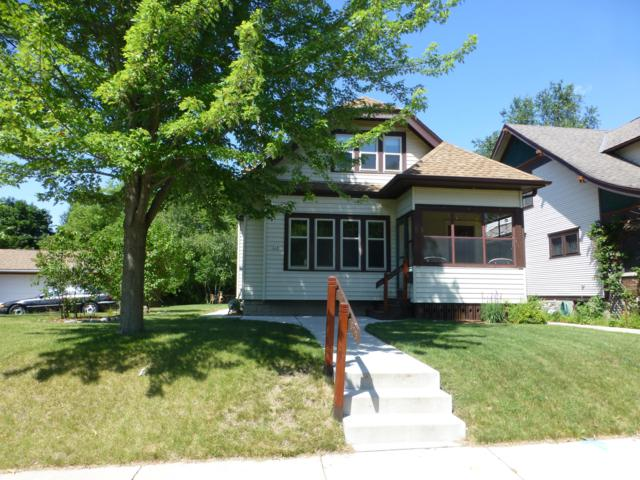 524 North St, West Bend, WI 53090 (#1649741) :: RE/MAX Service First Service First Pros