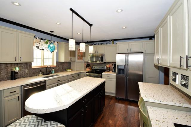628 Woodland Cir, Waterford, WI 53185 (#1649873) :: Tom Didier Real Estate Team