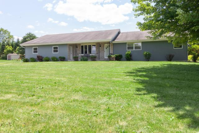 4238 W Hawthorne Dr, Newburg, WI 53090 (#1649909) :: Tom Didier Real Estate Team