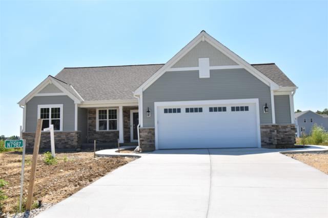 N7987 Woodland Ct, Ixonia, WI 53036 (#1650202) :: RE/MAX Service First Service First Pros