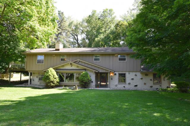 19285 Black Forest Dr, Brookfield, WI 53045 (#1650623) :: eXp Realty LLC