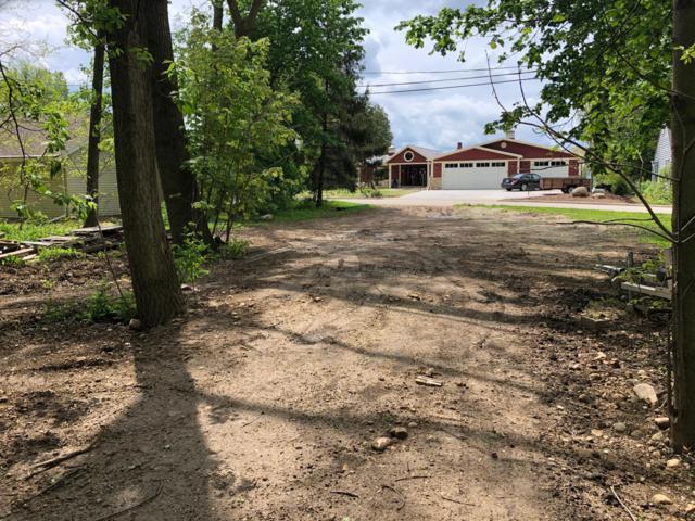 64 E Shore Dr, Random Lake, WI 53075 (#1652601) :: Tom Didier Real Estate Team