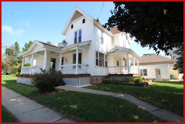 304 W Main St, Marshall, WI 53559 (#1652986) :: RE/MAX Service First