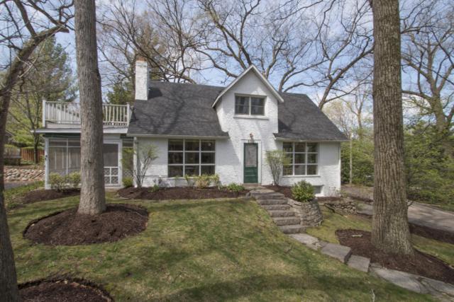 652 Aweogon Rd, Fontana, WI 53125 (#1653053) :: Tom Didier Real Estate Team