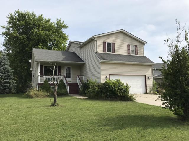 1004 92nd St, Pleasant Prairie, WI 53158 (#1653438) :: Keller Williams