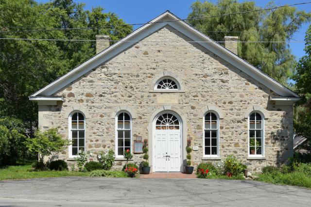 236 Hamilton Rd, Cedarburg, WI 53012 (#1653667) :: Tom Didier Real Estate Team