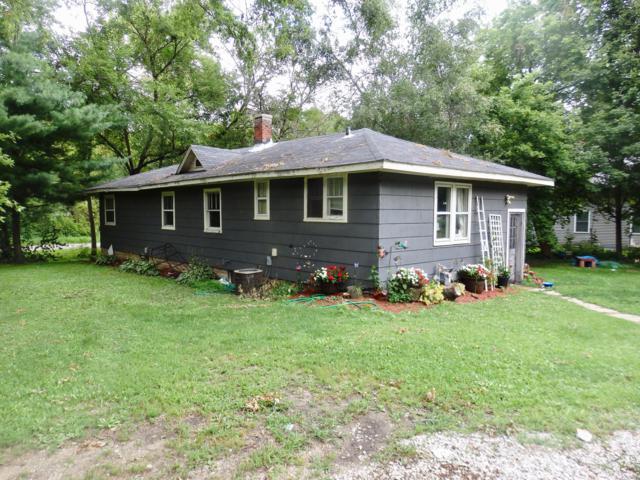 W1140 Poplar Rd, Bloomfield, WI 53128 (#1653930) :: Keller Williams