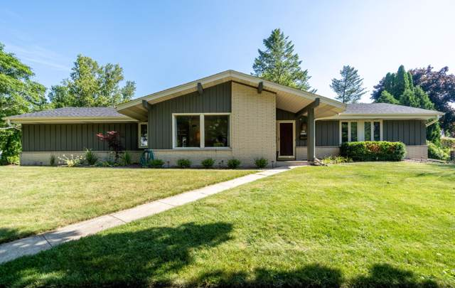 N93W6266 Arbor Dr., Cedarburg, WI 53012 (#1659065) :: RE/MAX Service First Service First Pros