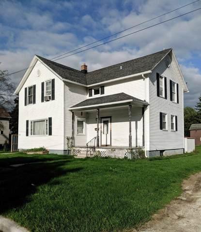 1015 Juniper St, Cleveland, WI 53015 (#1659073) :: RE/MAX Service First Service First Pros