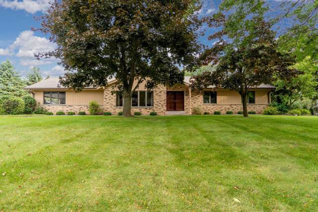 17850 St James Rd, Brookfield, WI 53045 (#1659091) :: eXp Realty LLC