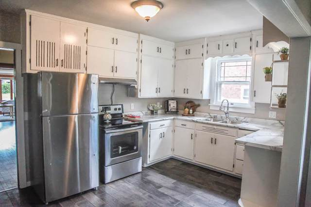 140 20th St S, La Crosse, WI 54601 (#1659098) :: RE/MAX Service First Service First Pros