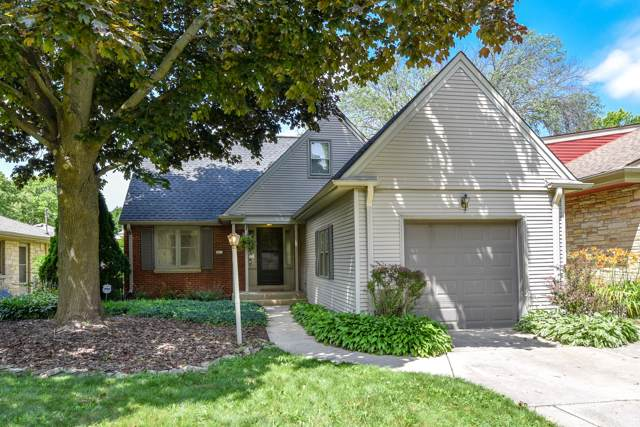 2611 N 95th St, Wauwatosa, WI 53226 (#1659115) :: RE/MAX Service First Service First Pros