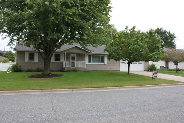 2707 Cedar Ave S, Holmen, WI 54636 (#1659163) :: RE/MAX Service First Service First Pros