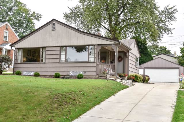 2536 N 82nd St, Wauwatosa, WI 53213 (#1659305) :: eXp Realty LLC