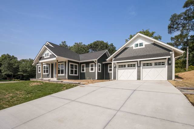 8610 Lakeshore Dr, Pleasant Prairie, WI 53158 (#1659335) :: RE/MAX Service First Service First Pros