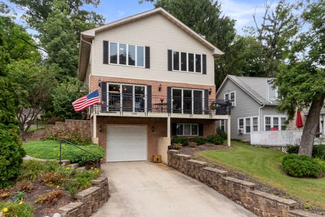 W4298 Oriole Dr, Linn, WI 53147 (#1659378) :: Tom Didier Real Estate Team