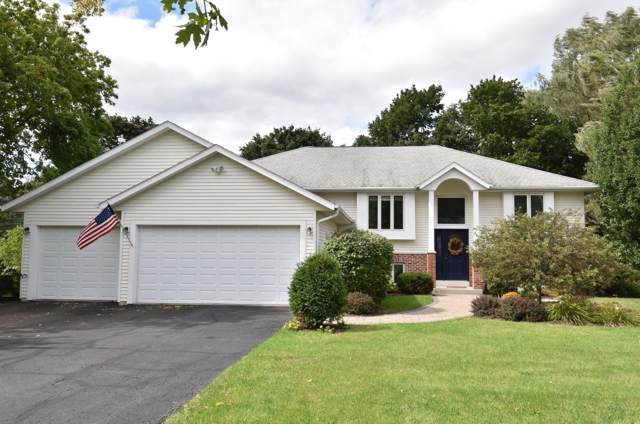 482 E Welsh Rd, Wales, WI 53183 (#1659741) :: RE/MAX Service First Service First Pros