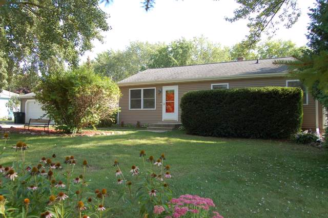 7043 W Holmes Ave, Greenfield, WI 53220 (#1659860) :: eXp Realty LLC