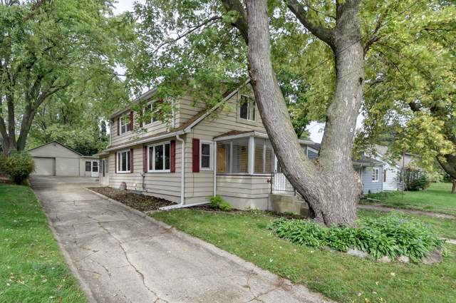 441 Randolph St, Burlington, WI 53105 (#1659872) :: Tom Didier Real Estate Team