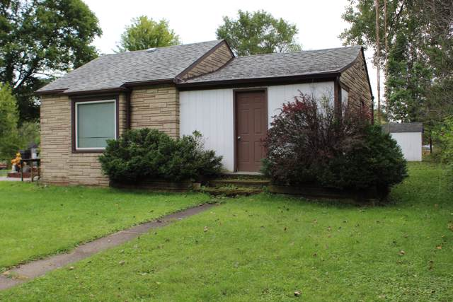 27535 95th St, Salem Lakes, WI 53168 (#1660014) :: RE/MAX Service First Service First Pros