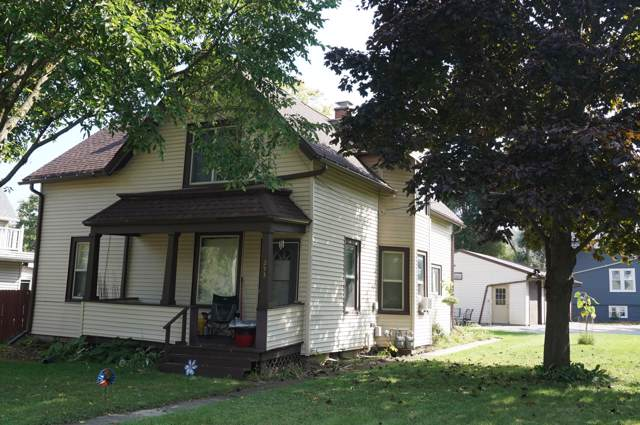 253-255 W Chestnut St, Port Washington, WI 53074 (#1660046) :: Tom Didier Real Estate Team