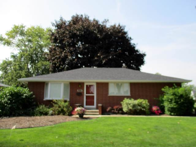 5602 54th Ave, Kenosha, WI 53144 (#1660244) :: Tom Didier Real Estate Team