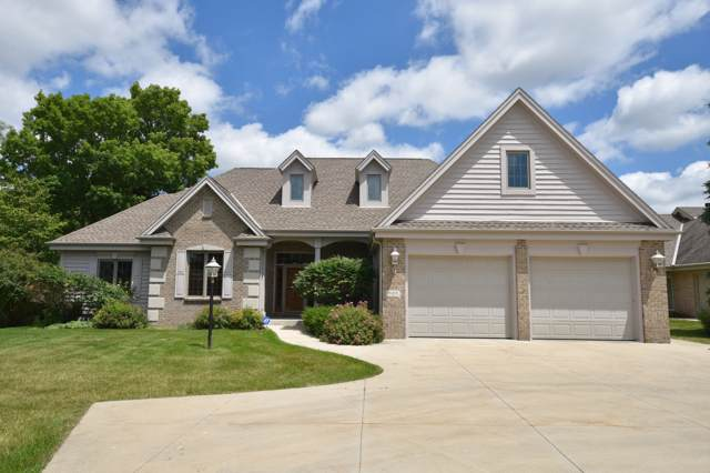 940 Schloemer Dr, West Bend, WI 53095 (#1660254) :: eXp Realty LLC