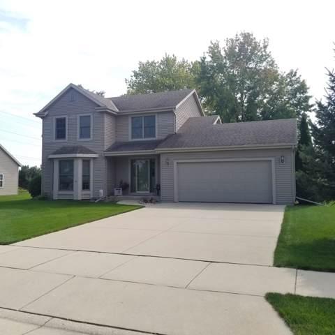 671 Hillcrest Rd, Saukville, WI 53080 (#1660293) :: Tom Didier Real Estate Team