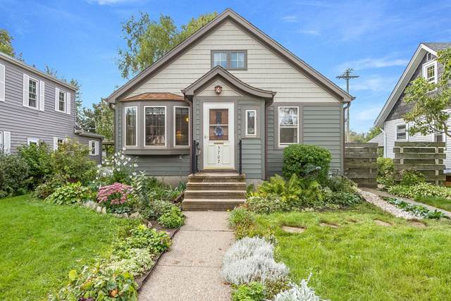 3707 75th St, Kenosha, WI 53142 (#1660306) :: Tom Didier Real Estate Team