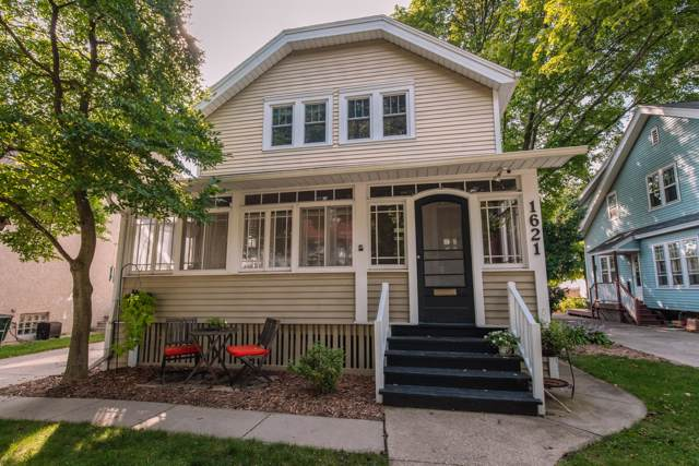 1621 N 69th St, Wauwatosa, WI 53213 (#1660313) :: eXp Realty LLC