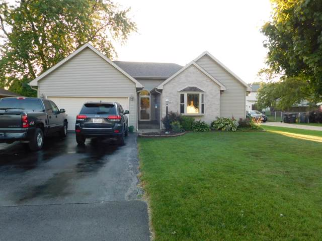 5949 S 32nd Street, Greenfield, WI 53221 (#1660360) :: eXp Realty LLC